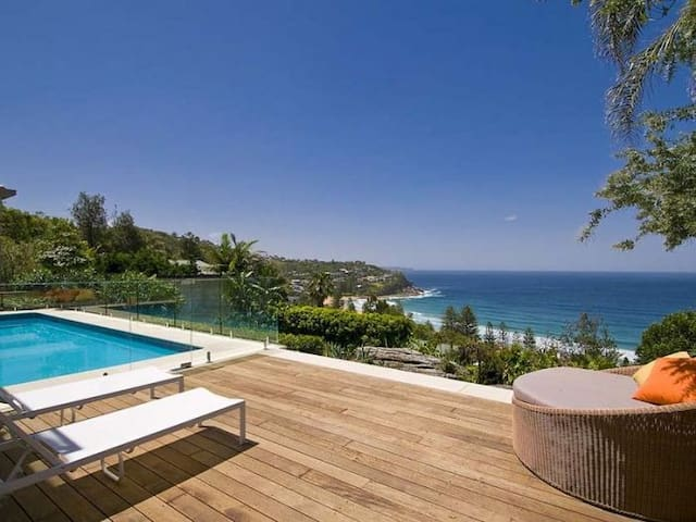 Whale Beach and Pittwater Views House