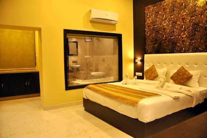 Hotel Grand Bhagwat By Keymagics - Exclusive Room