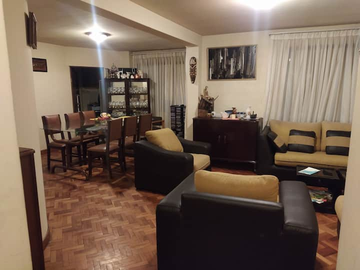 Dos habitaciones con ambientes compartidos