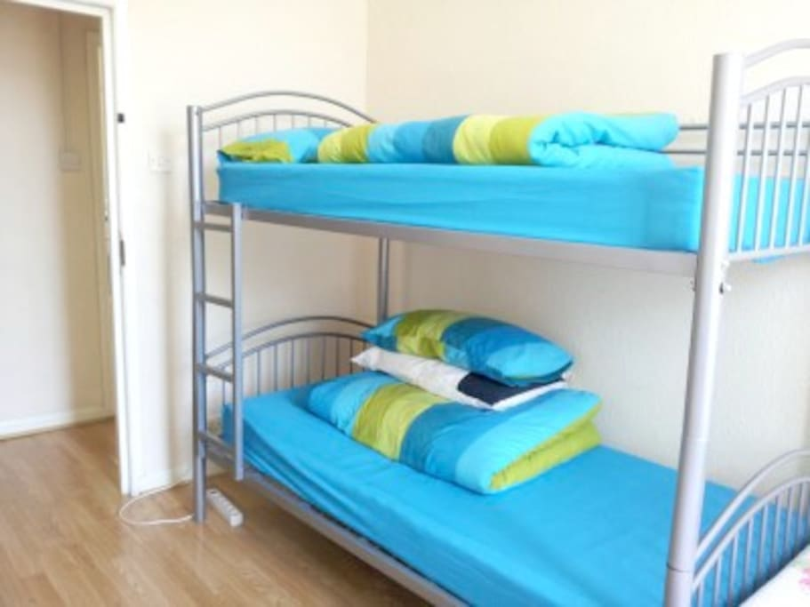Bunk Bed Photo (should be wooden one!)