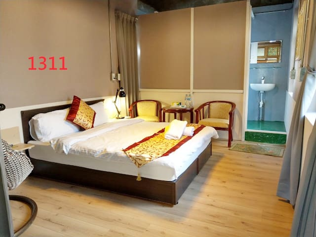1double bed suite with bathroom Room 1311