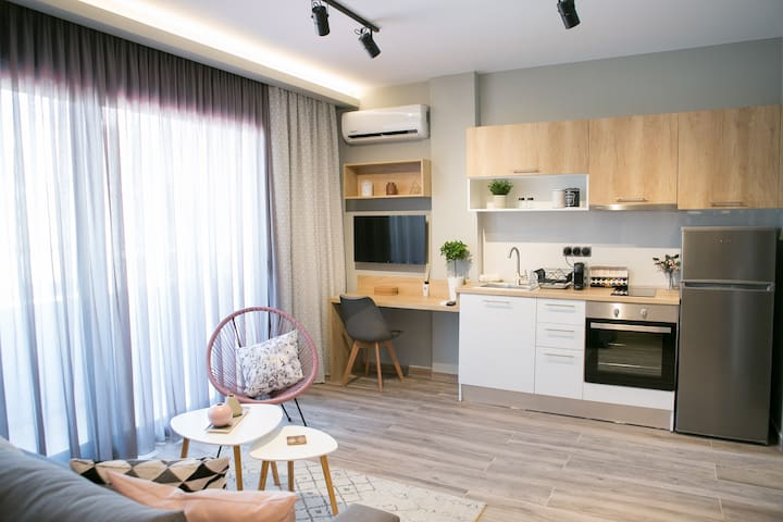 S.T.S. EIGHT / 7 NEW 2019 Full renovated apartment