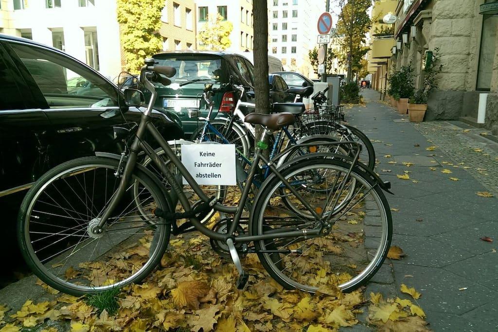 Keine Fahrräder abstellen :-) Aber bitte, gerne...