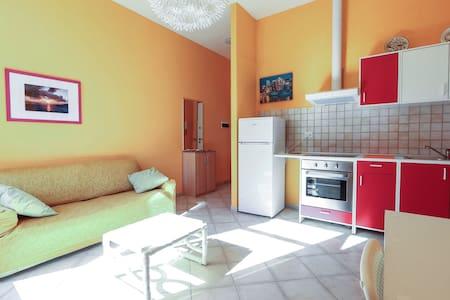 Nuovo bilocale in centrissimo - Sanremo - Lägenhet