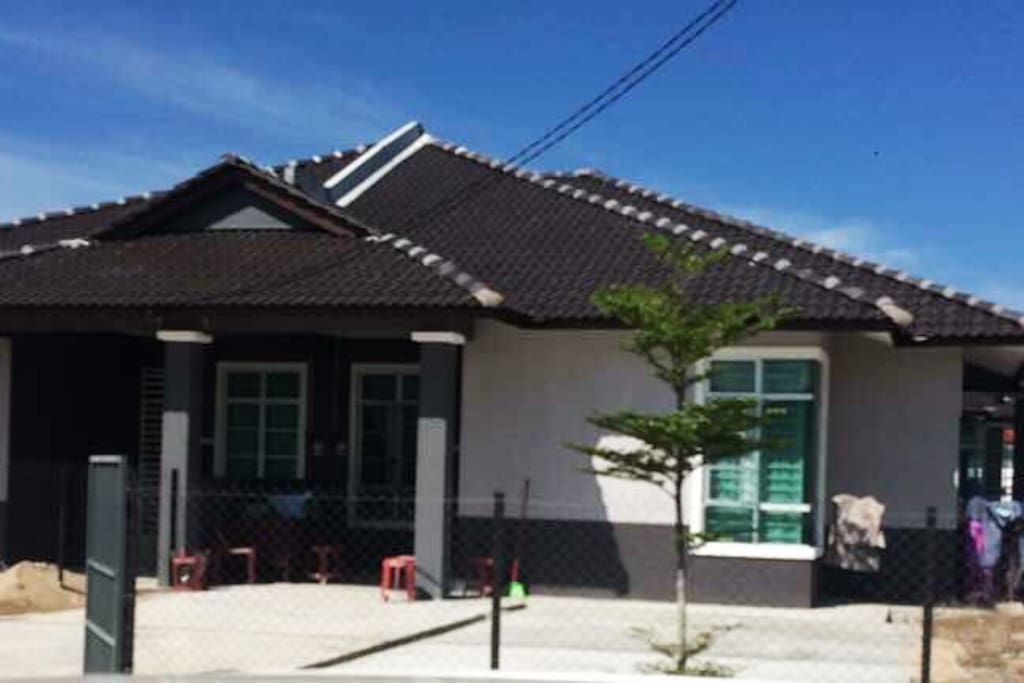 Rumah Semi D Conner lot