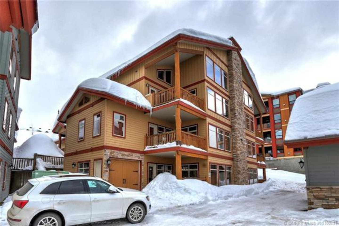 Spyglass Ski-In/Ski-Out Ground Floor Unit with Attached Garage Just Steps to the Gondola