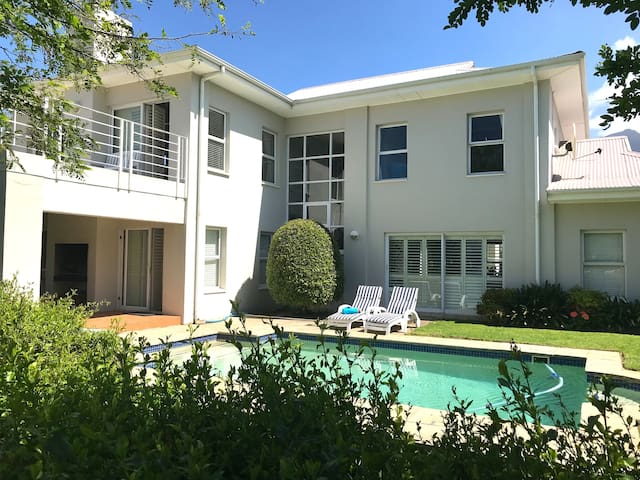 Dream Holiday on secure Golf Estate in Cape Town