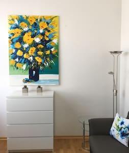 Wohnung in Haus mit Garten im Südwesten Münchens