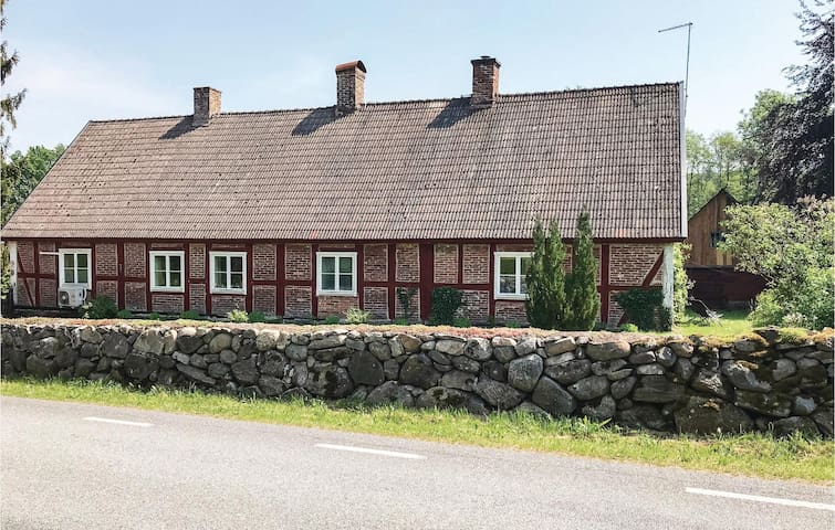 Former farm house with 1 bedroom on 85m² in Vinslöv