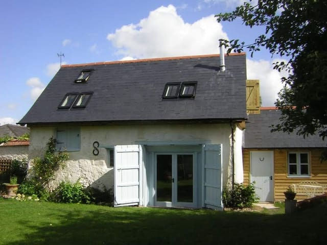 Foords Barn - an English Country Cottage