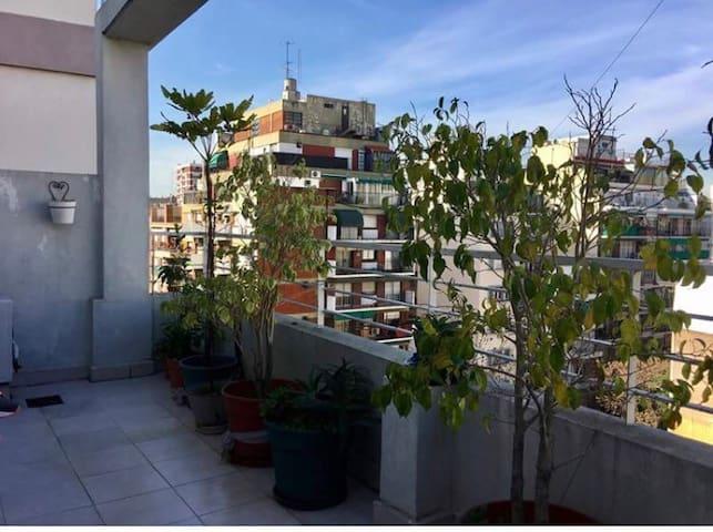 2 amb Almagro c balcón, mts subte B y H. Italiano