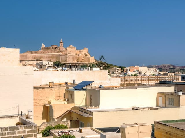 """Vicmar Penthouse"" in Victoria on Gozo"