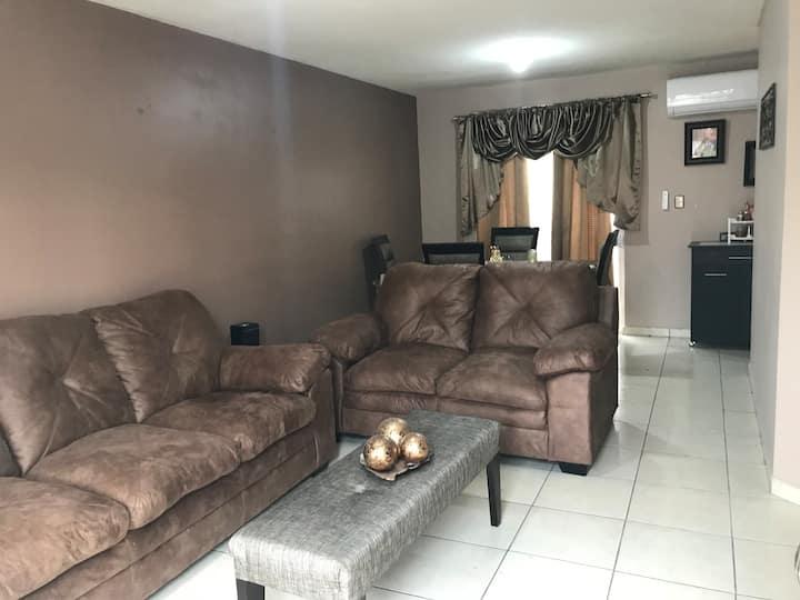 Casa Completa - Zona Muy Tranquila 100% Familiar