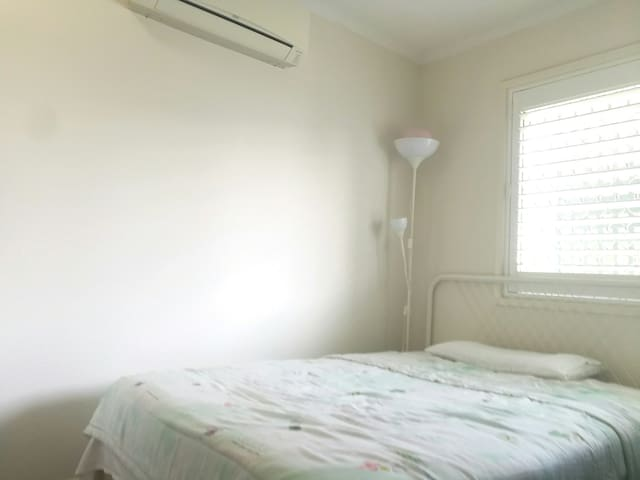 New airconditioning bedroom In Carindale