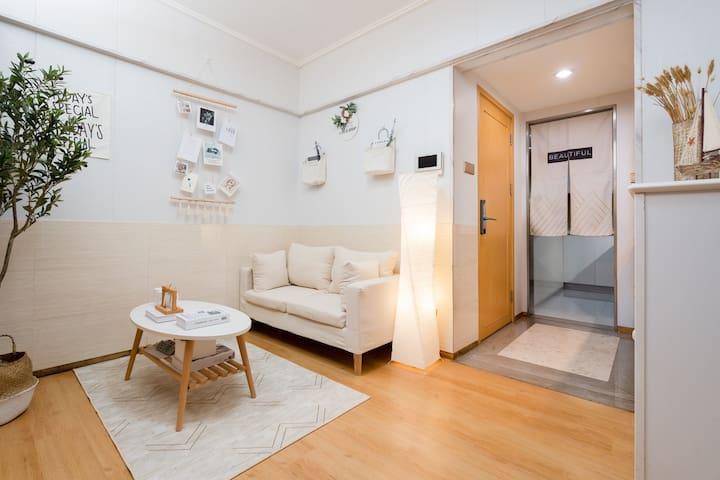 深圳东站布吉地铁站万象汇沃尔玛温馨小清新公寓