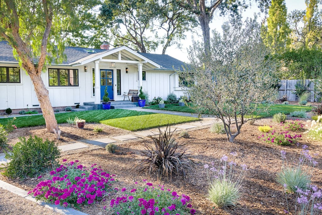 Welcome home to Sonoma!  Professionally landscaped front yard leads you inside.