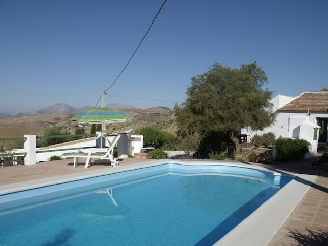 Cosy rural finca with magnificant views and pool, - Villanueva de la Concepción - Huis