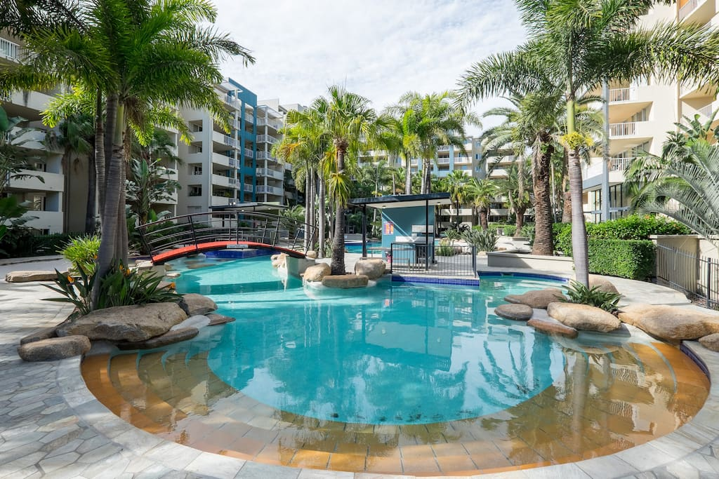 Tropical Studio Apartment Flats For Rent In Fortitude Valley Queensland Australia