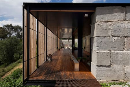 Grand Designs Sawmill House - Yackandandah
