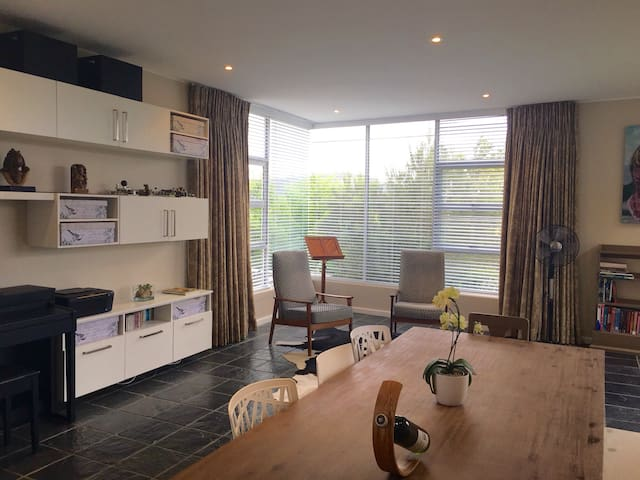 View-filled studio in superb Vredehoek location