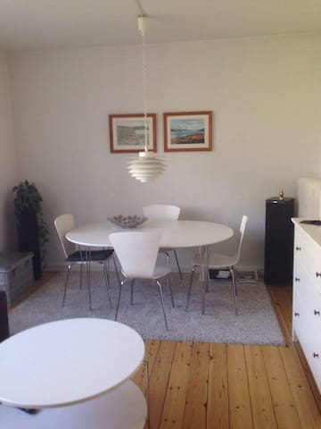 Small tidy & calm place w/balcony - København - Apartment