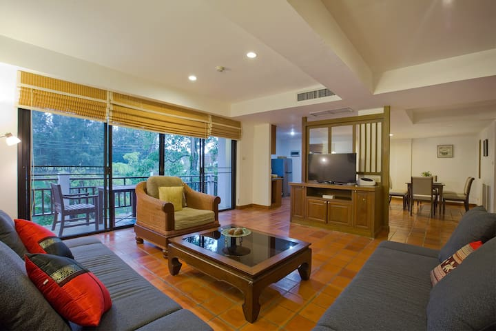 Relax in Great 2 Br Apt NaiHarn Beach 1 min walk!