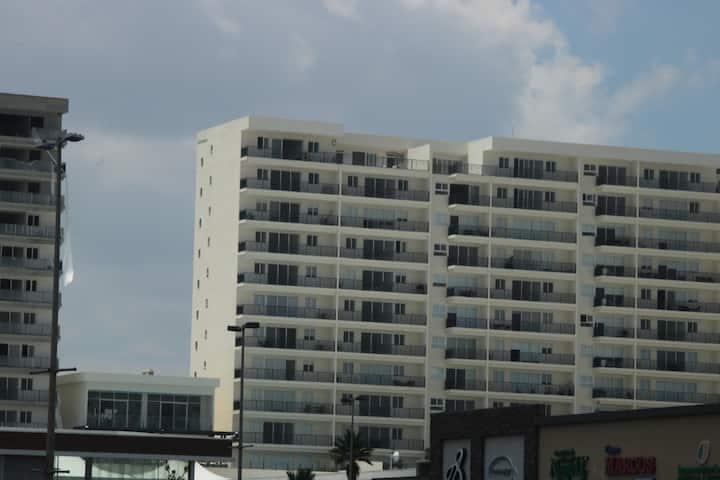 REAL VIEW TOWERS  de lujo nuevo en piso 10