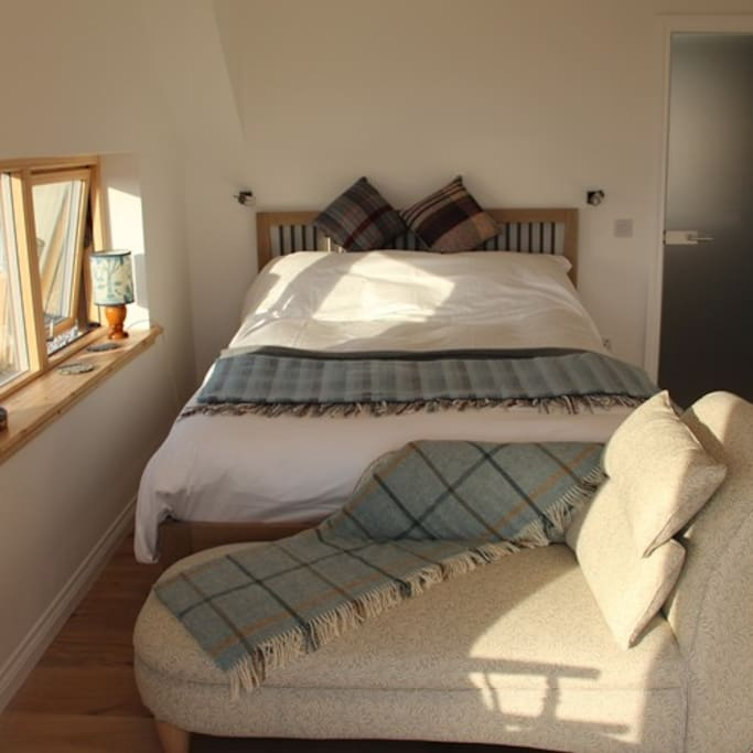 Taigh Glas Studio with continental breakfast or kitchen to self cater