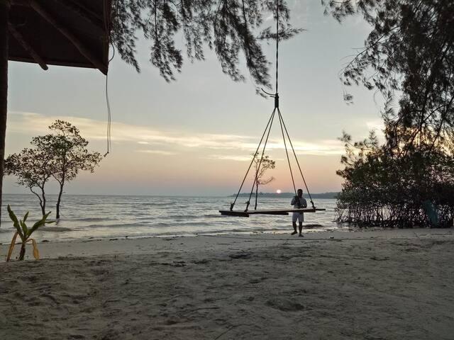 Love Resort@Deluxe Tent Free Kayaks