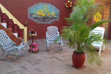 Welcome!Bienvenidos!Benvenuti! - Trinidad