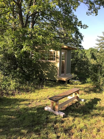 Keswick Hiking Hut-a primitive nature camp