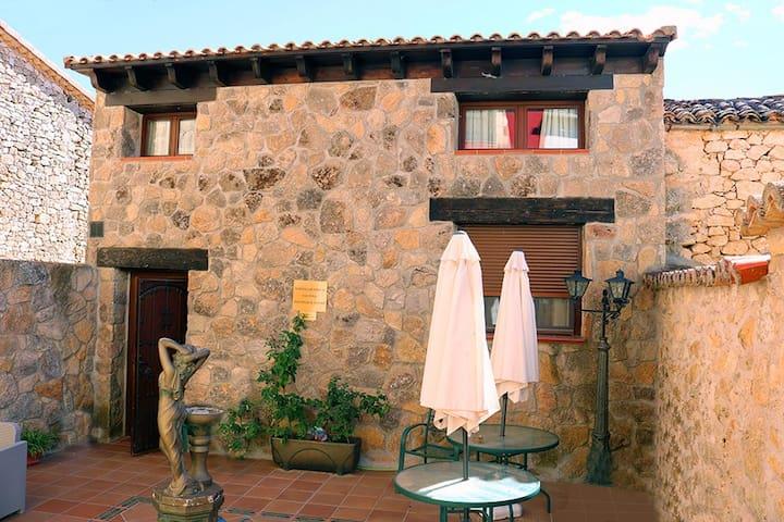 Habitación Doble con Baño - Valdeavellano