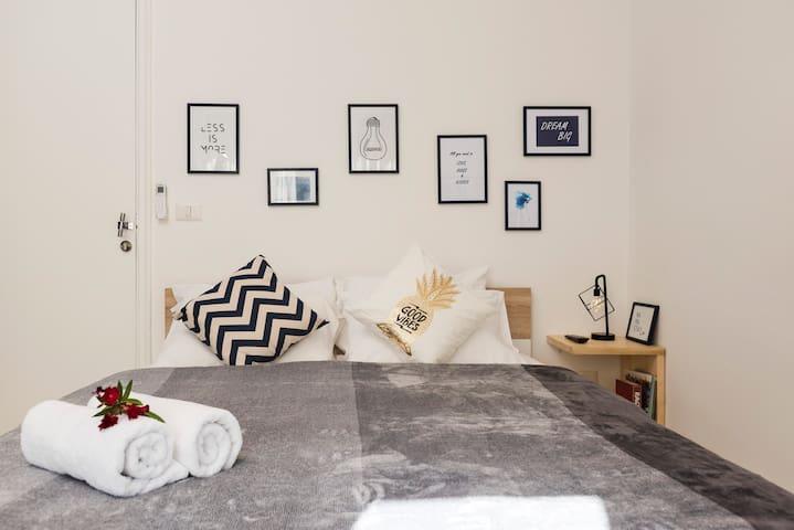 Scandi Studio - Bed