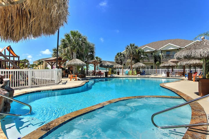Gorgeous 3 bedroom townhome at Pirates Bay!