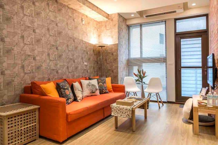 MoonHouse-Functional luxury apartment -Ximen MRT