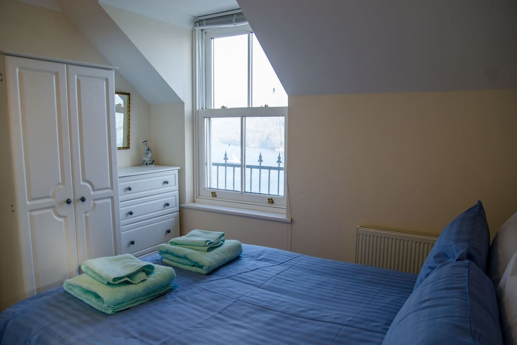 Double ensuite bedroom with view