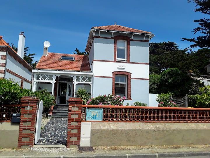 Villa AR-MEN avec WIFI et vue sur mer