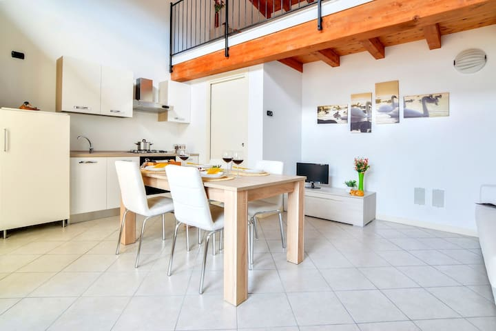 Lake-view Apartment in Silviano with Terrace and Garden