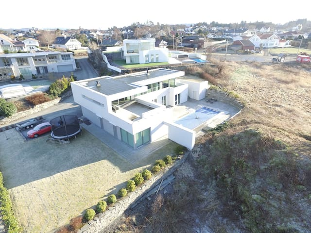Unique property by the sea! - Bergen - Villa