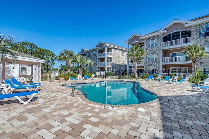 Myrtlewood Villa 2BR 2 BA Near Beach & Attractions