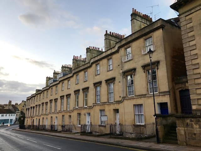 Modern One Bedroom Apartment-Charlotte Street,Bath - Bath - Apartment