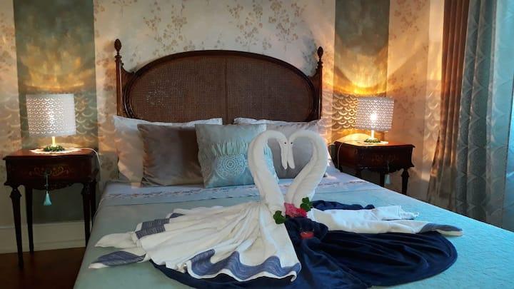 Ameli Rooms (Dourado)