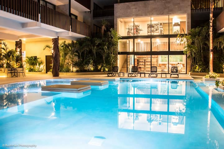 PROMO! PENTHOUSE + JACUZZI - 6-8 pers - POOL+GYM