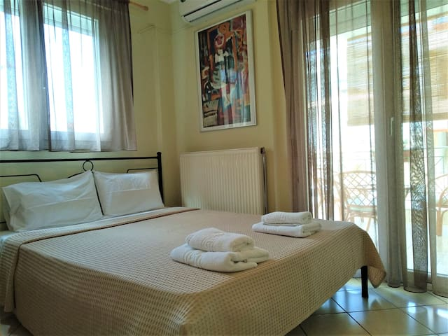 Casa Mameli, Large Two Bedroom Garden View-Nefeli