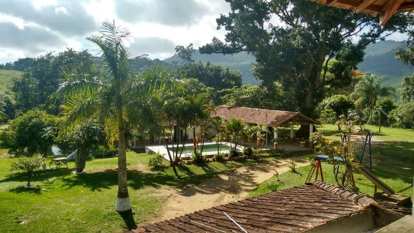 Chalé e Pesqueiro Capelinha - Resende - Dağ Evi