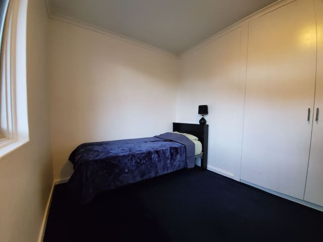 Twin room (Share Room - Male only)