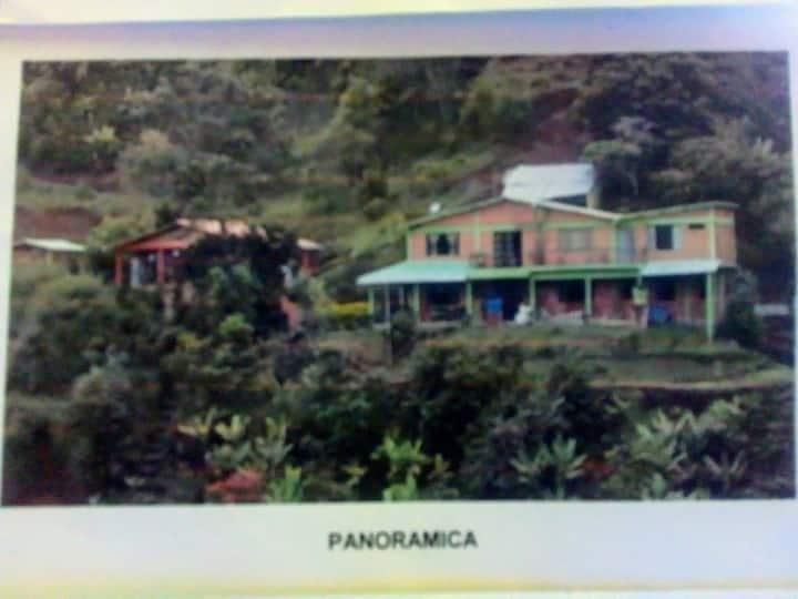 Casa-Finca familiar Qhawarina