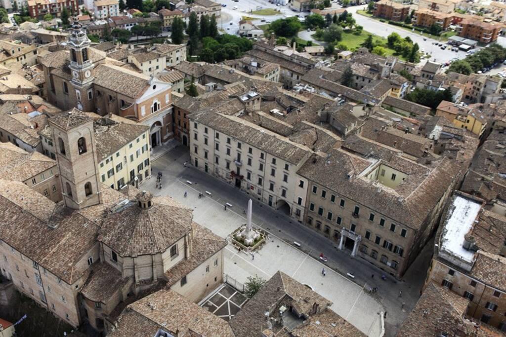 Veduta aerea del centro storico (by Maurizio Paradisi)