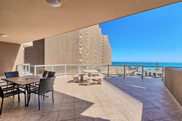 2 Bed 2 Bath Las Palomas Rubi 206 - Huge Patio
