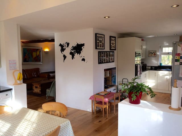 Beautiful farmhouse in tranquil setting - Littlebury - Casa